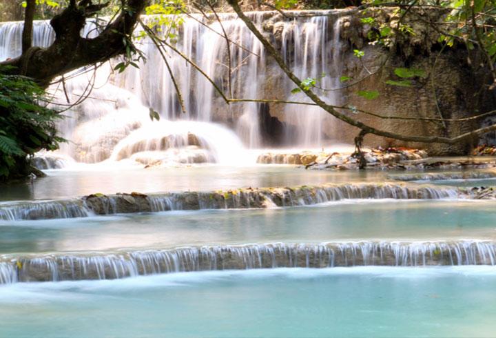 LAOS – VANG VIENG und LUANG PRABANG